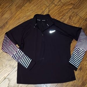 Ladies NIKE L/S Sleeve 1/4 Zipper Pullover Large